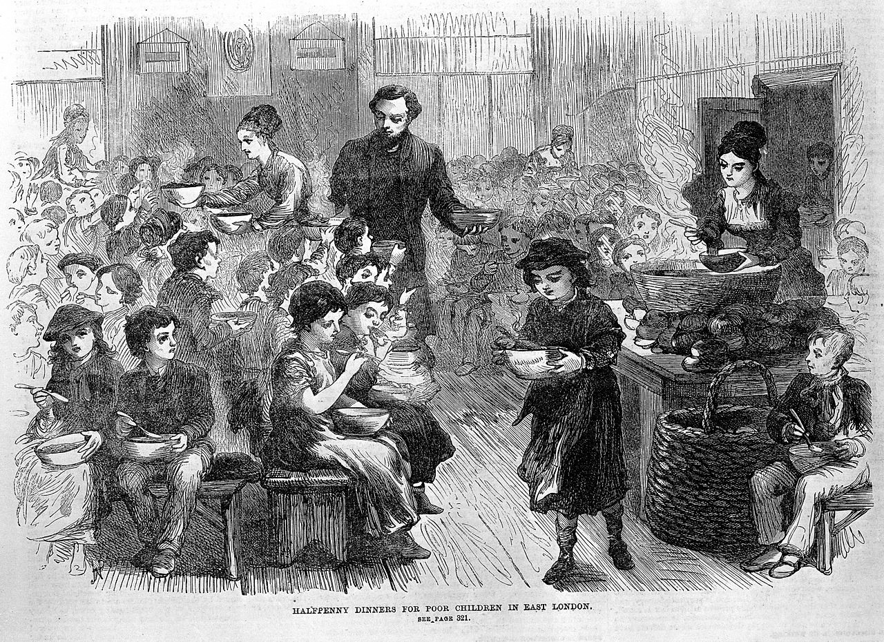 Halfpenny dinners for poor children in East London. Credit Wellcome Images