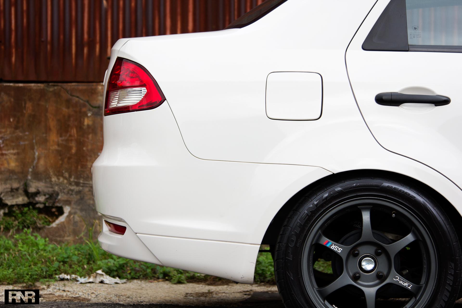 TitanRev's DIY Saga FLX - RaceNotRice