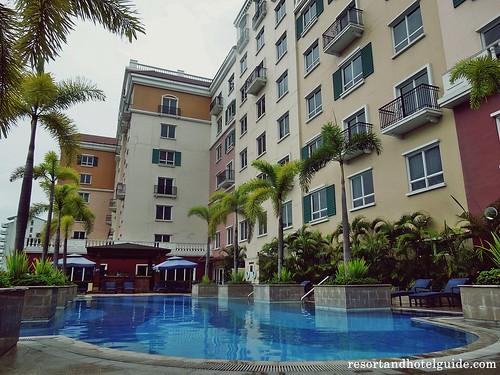 The Marriott Hotel - Outdoor Pool (2)