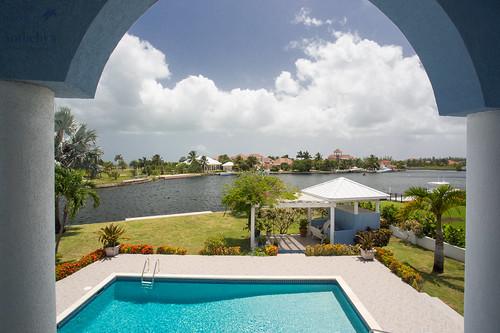 realestate caymanislands grandcayman houseforsale royalpalm realestateagent luxuryhomes luxuryproperty caribbeanrealestate sunriselanding canalfronthome caymanislandssothebysinternationalrealty cisir