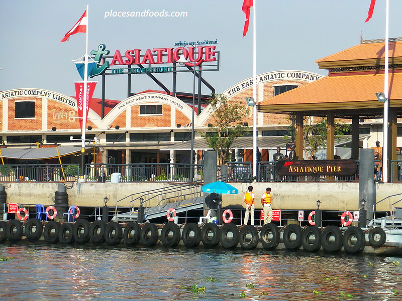 asiatique the riverfront evening