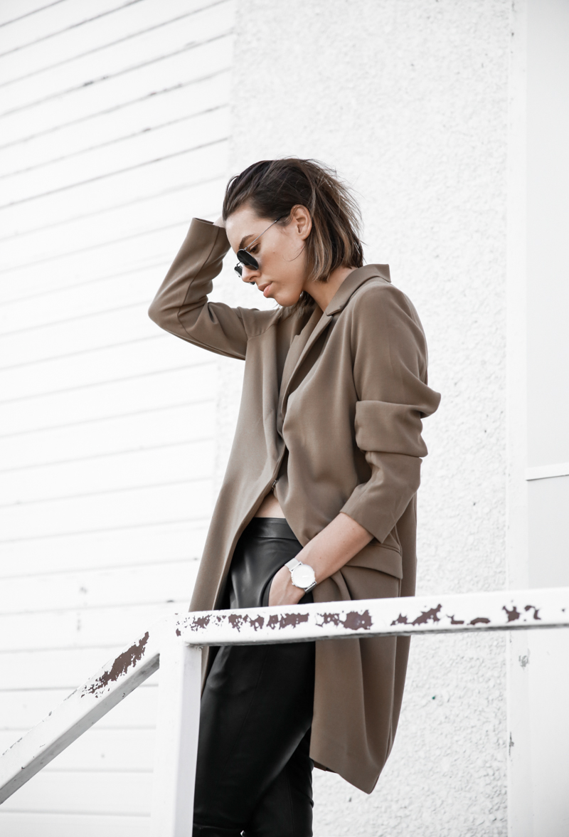 modern legacy, fashion blog, street style, minimal, neutrals, Larsson Jennings silver watch, oversized blazer, ASOS (1 of 1)