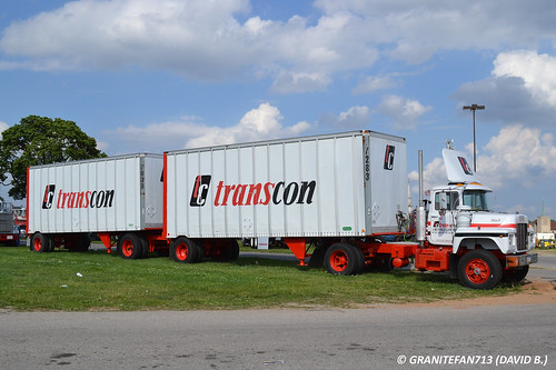 Transcon 1984 Mack U685ST with Doubles (2)
