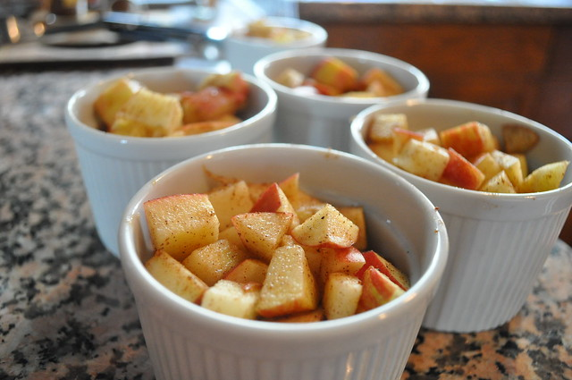 Mini Apple Pie Crumbles