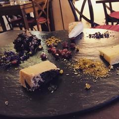 E finiamo così... #formaggi #cibo #visioni