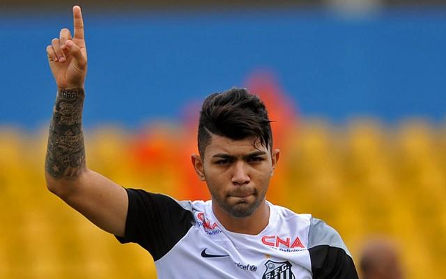 Gabriel se diz lisonjeado com oferta do Fenerbah�e-TUR, mas reitera vontade de ficar no Santos