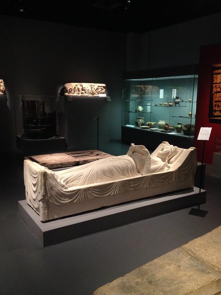 Da liegt sie, die Eleonore von Aquitanien, die mit Henri II Plantagenet verheiratet war. Und die Mama vom Löwenherz, der in Dürnstein festgehalten wurde. © diekremserin