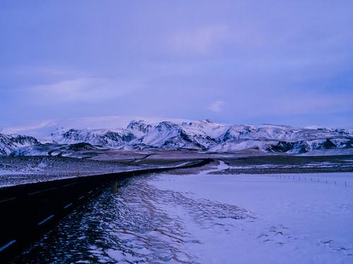 road snow film analog sunrise iceland islandia glacier e6 e100g mamiya645protl tetenal3bathkit f0296 exif4film opticfilm120 plustekopticfilm120