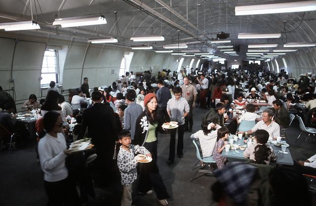 DM-ST-86-07530 - Phòng ăn trong trại tạm cư dân tỵ nạn Pendleton tại California