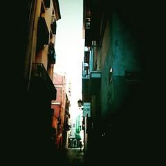 Buscando una salida #valensiaaaa #lumiére #city #streetphotography #morning #bymorgan