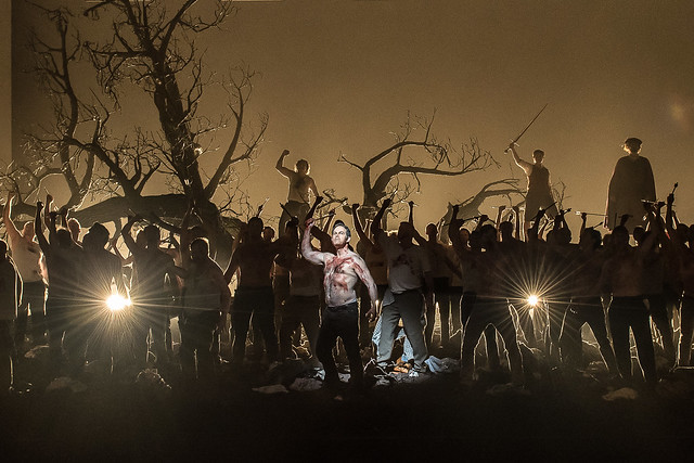 Gerald Finley and members of the Royal Opera Chorus in Guillaume Tell © 2015 ROH. Photograph by Clive Barda