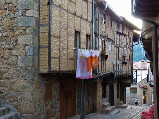 Casas típicas de San Martín de Trevejo en Sierra de Gata (Extremadura)