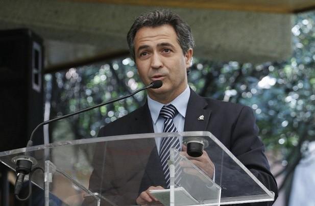 """Celebra Coparmex que el Estado """"recupere control de la educación"""""""
