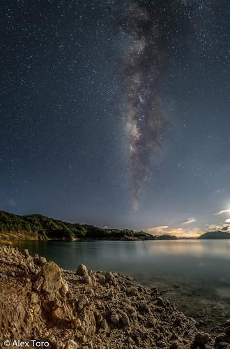 longexposure nightphotography paisajes stars landscape star sombras milkyway lunares starscape largaexposicion guatape vialactea