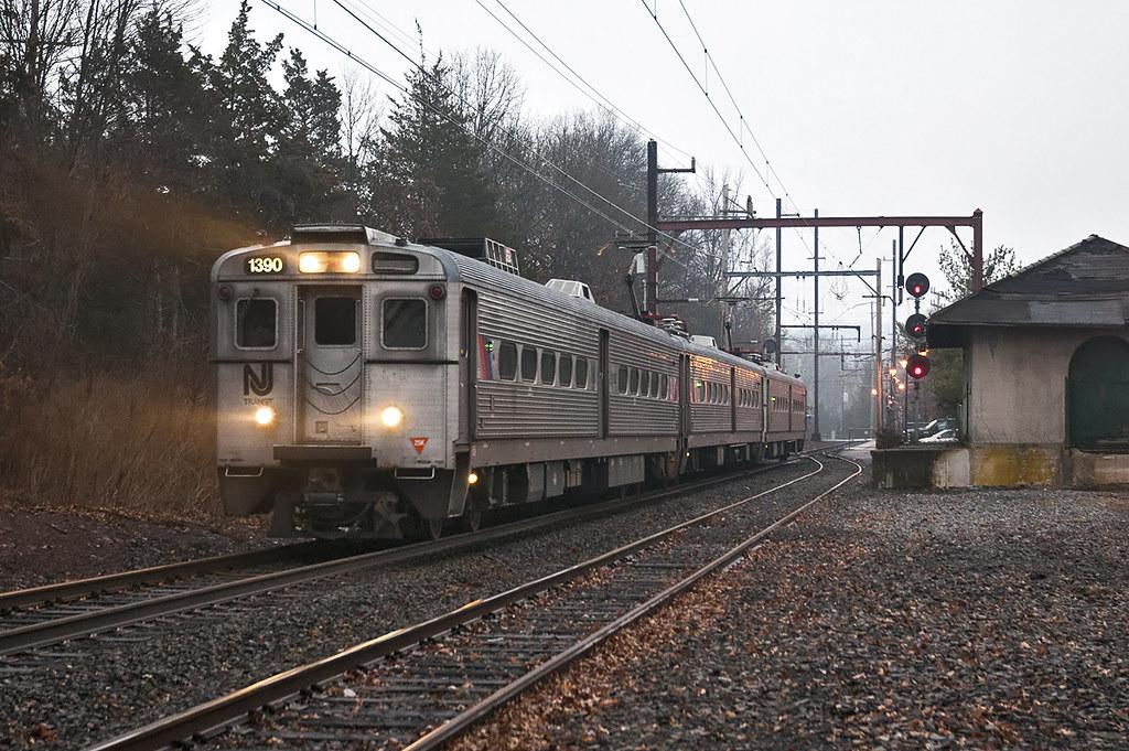 Arrows in the Rain | NJ Transit Arrow III No  1390 leads M&E