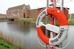 vehicle(0.0), boat(0.0), lifebuoy(1.0), waterway(1.0),