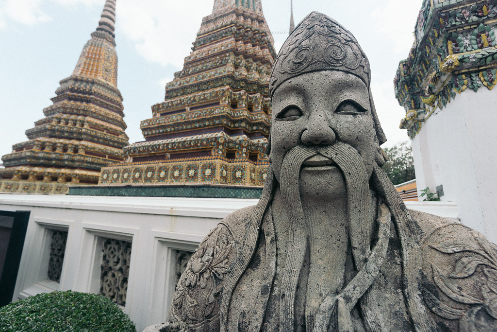 Chinese statue at wat pho