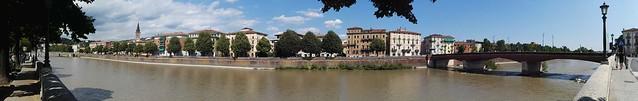 Panoramabild entlang des Adige