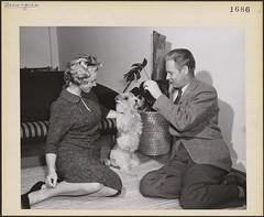 Erling Morris with his wife and their dog at home in Toronto, Ontario / Erling Morris et son épouse avec leur chien dans leur résidence de Toronto (Ontario)