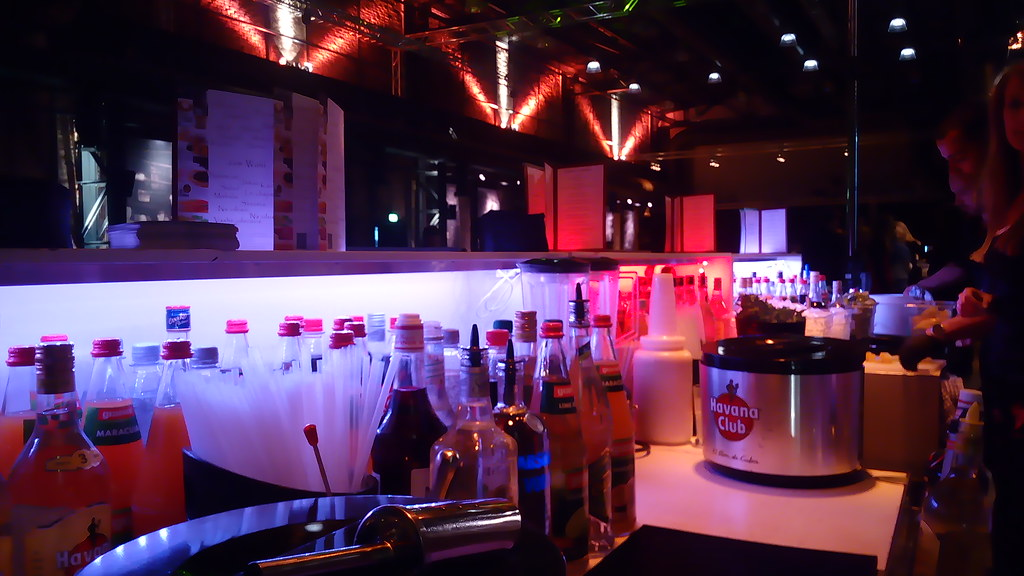 """#HummerCatering #Eventcatering #mobilebar #Cocktailbar #Cocktails #Barkeeper #Abi #Abiballhttp://goo.gl/oMOiIC • <a style=""""font-size:0.8em;"""" href=""""http://www.flickr.com/photos/69233503@N08/19019063085/"""" target=""""_blank"""">View on Flickr</a>"""