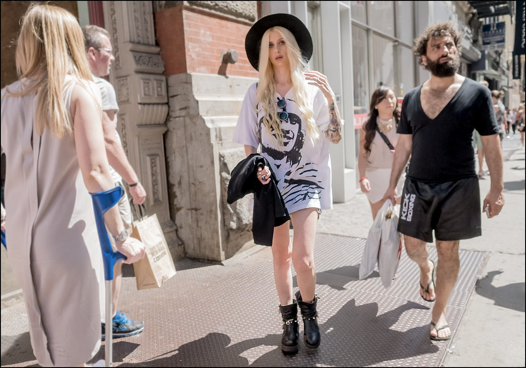 SS6-15 15w oversize graphic b and w tee black hat black engineer boot with spikes ink sleeve