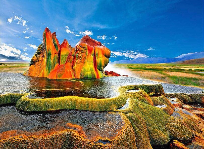 Le Fly Geyser, Nevada, USA.✨