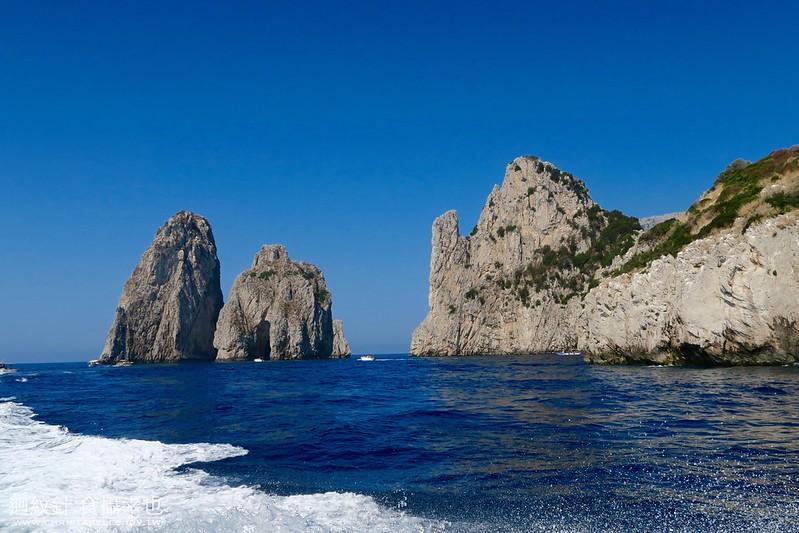Boat trip to Grotta Azzurra (Blue Grotto), Capri, Italy
