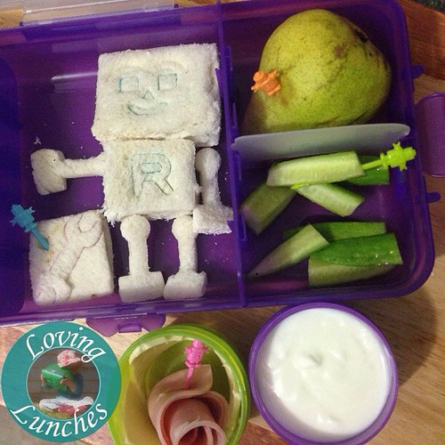 Loving a simple lunch for tomorrow after our big day at the markets today… Miss M asked for a @nudefoodmovers for a change and they've both been raving on about robots this weekend so that was an easy choice to make. @cutezcute all the way 😉 #nudefoo