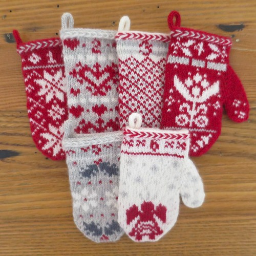 Knitting Pattern Christmas Advent Calendar : Just Crafty Enough   Mitten Garland Advent Calendar   Mitten #6