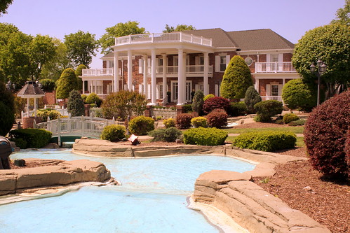 Conway Twitty Mansion - Hendersonville, TN