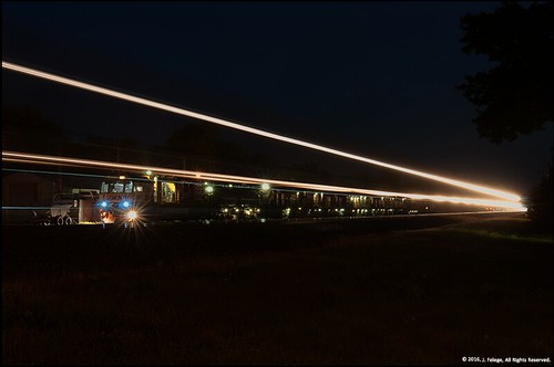 railroad railroadtracks rrcrossing loram night nightphotography longexposure tripod nikond5000 nikon d5000 nikkor2470mm
