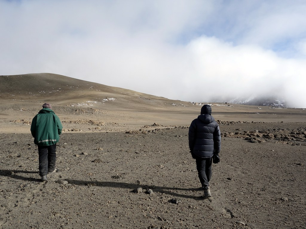 Returning across the northern part of the crater