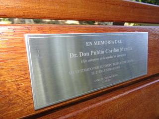 Una placa para Publio Cordón