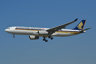 A.330-300 SINGAPORE AIRLINES F-WWKU 1648 TO 9V-SSH 06 08 15 TLS