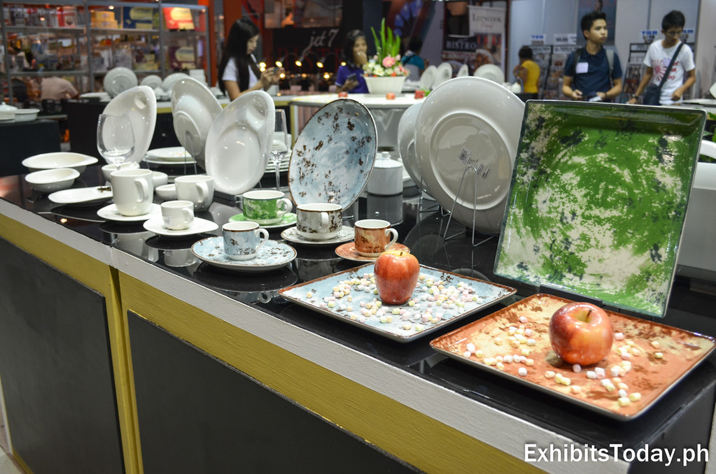 RAK Porcelain Displays