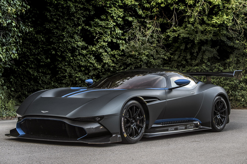 800+bhp Aston Martin Vulcan