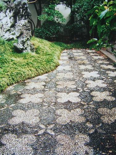 Chodnik ogrodowy