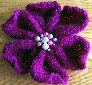 Pattern: Knitted flower
