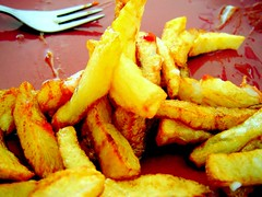 fish and chips(0.0), fried prawn(0.0), cooking plantain(0.0), fish(0.0), seafood(0.0), chicken fingers(0.0), onion ring(0.0), produce(0.0), potato wedges(0.0), junk food(1.0), vegetable(1.0), frying(1.0), deep frying(1.0), fried food(1.0), side dish(1.0), french fries(1.0), food(1.0), dish(1.0), cuisine(1.0), snack food(1.0), fast food(1.0),