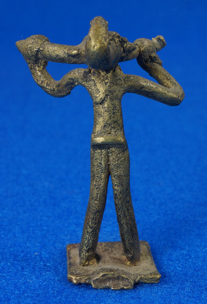 RD14630 4 Vintage African Hand Made Folk Art Primitive Figurines Solid Cast Brass Burkina Faso Yoruba West Africa DSC07081