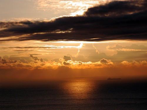 atlanticocean beach clouds florida imran imrananwar kartpostal otw ocean photographyrocks seasunclouds ship singerisland sky sunrise twop