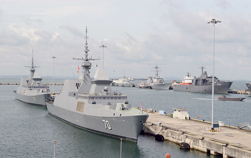 SOUTH CHINA SEA – USS Fort Worth (LCS 3) partnered with USS Lassen (DDG 82) to complete their first combined South China Sea presence operations.