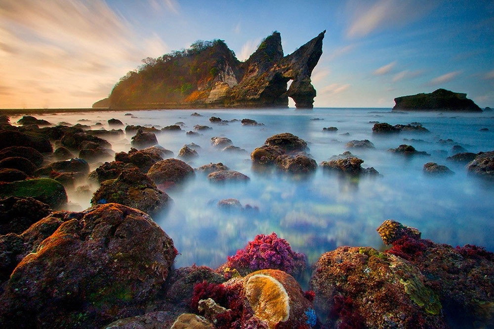 1-Atuh-Beach-via-ManButur-Photography