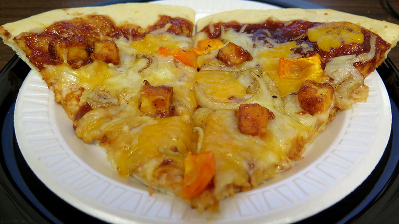 BBQ cheddar chicken pizza