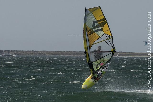 Windsurf. Playa Viana do Castelo, Portugal. #Sony #A7 lente E Sony 70-200 f4.