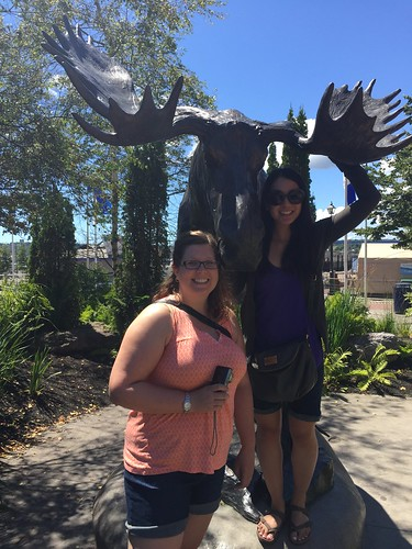 Kristen, Mei and the Moosehead moose.