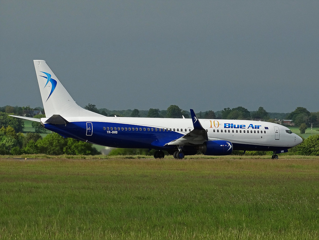 YR-BMB - B738 - Blue Air