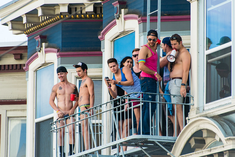 PINK PARTY / Balcony Boys