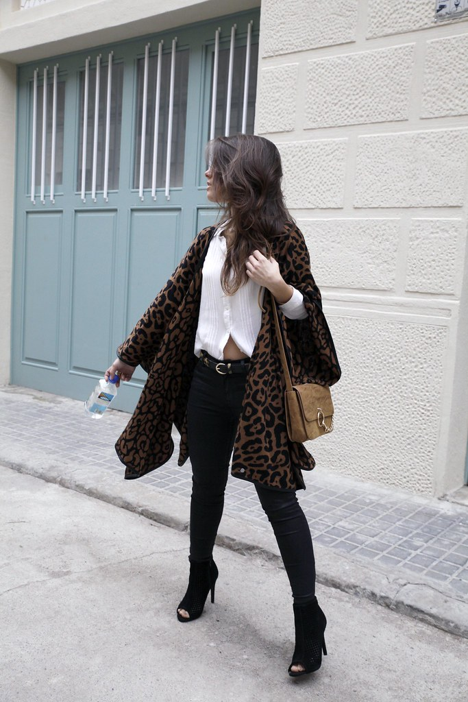 07_leopard_casual_look_with_ruga_theguestgirl_influencer_fashion_portugal_barcelona