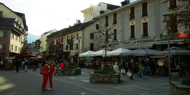 cafes in chamonix town france